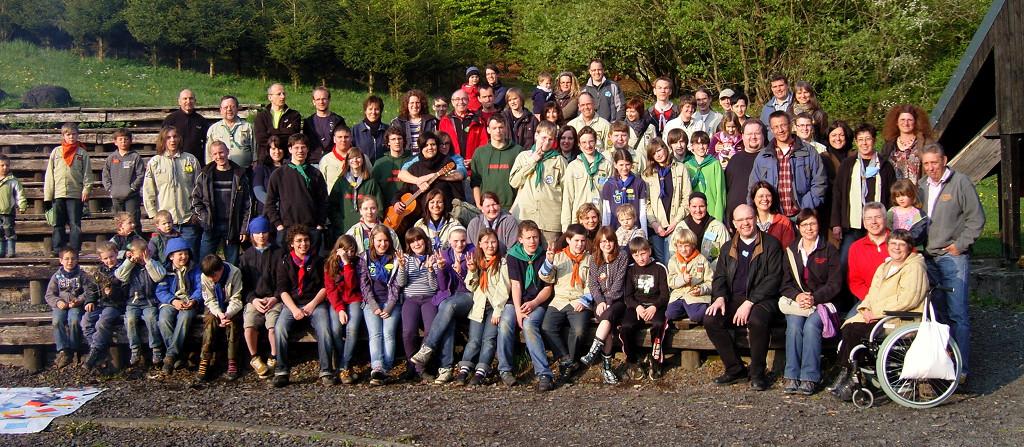 Gruppenfoto des gesamten Stammes und einiger Ehemaliger bei der 20Jahr-Feier 2010